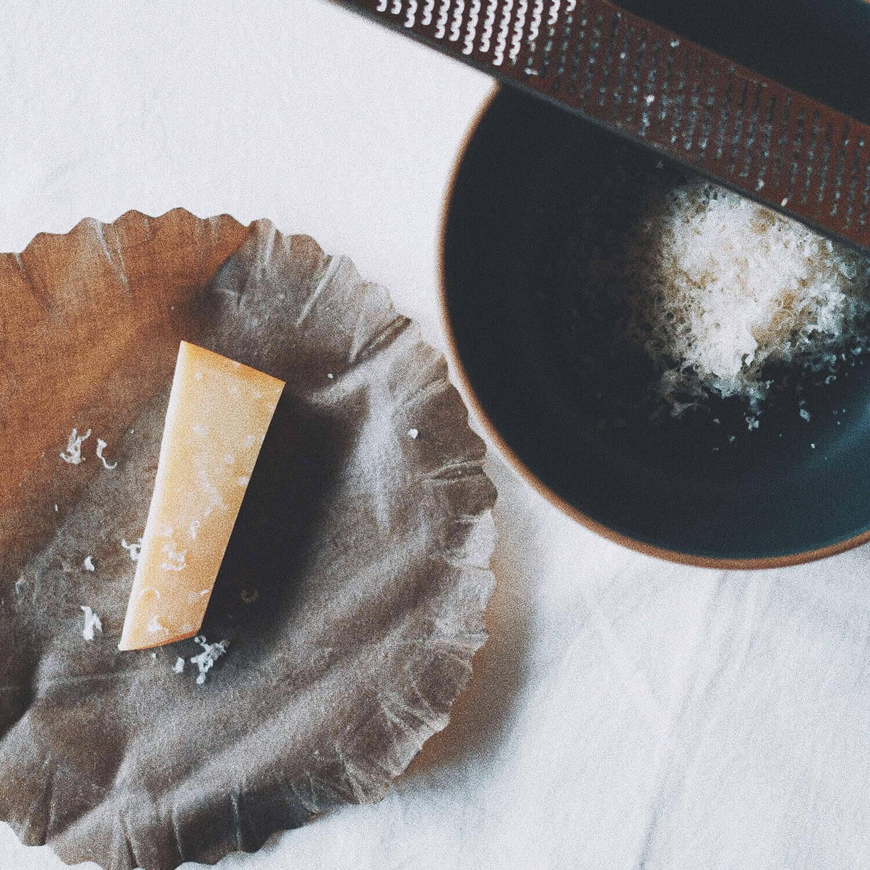 エコラップの上のチーズ